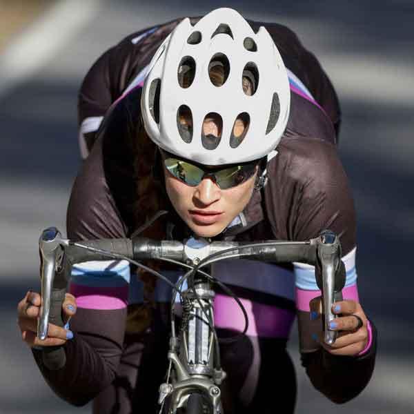自転車女子のヘルメット