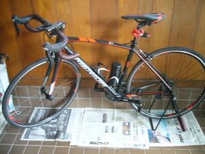 ロードバイクを室内保管!自転車スタンド0②メリダ黒30BLT