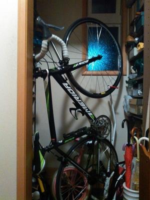 ロードバイクを室内保管!自転車スタンド0③メリダ黒ds2100